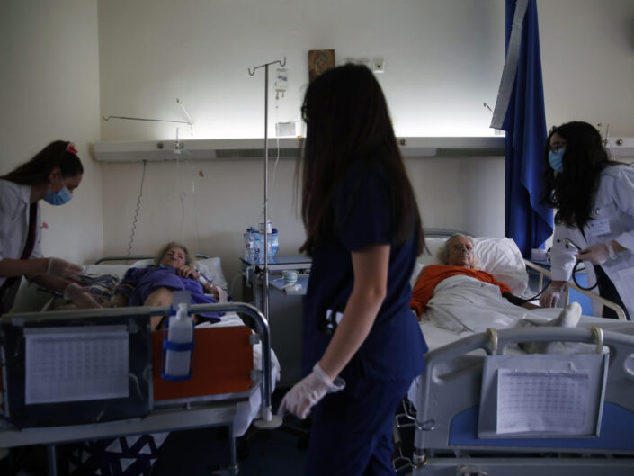VIRUS OUTBREAK GREECE HOSPITAL VOLUNTEERS